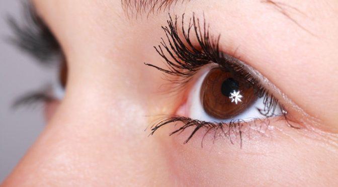 Oczy to nietypowy narząd. To otóż to dzięki nim spostrzegamy.