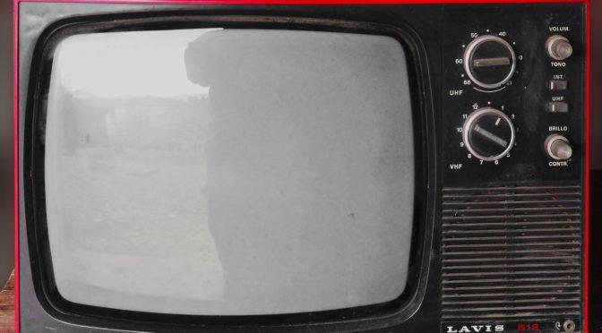 Samotny odsapnięcie przed tv, czy też niedzielne filmowe popołudnie, umila nam czas wolny oraz pozwala się zrelaksować.